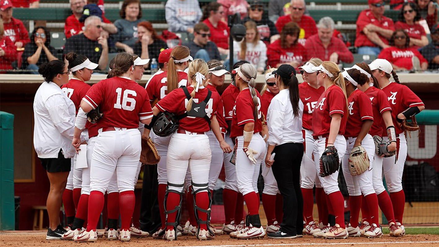 Alabama Softball Drops Walk-Off Loss to Georgia, 4-3, Saturday Night in  Athens